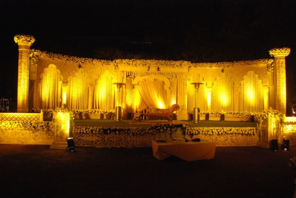 wooden carving wedding stage